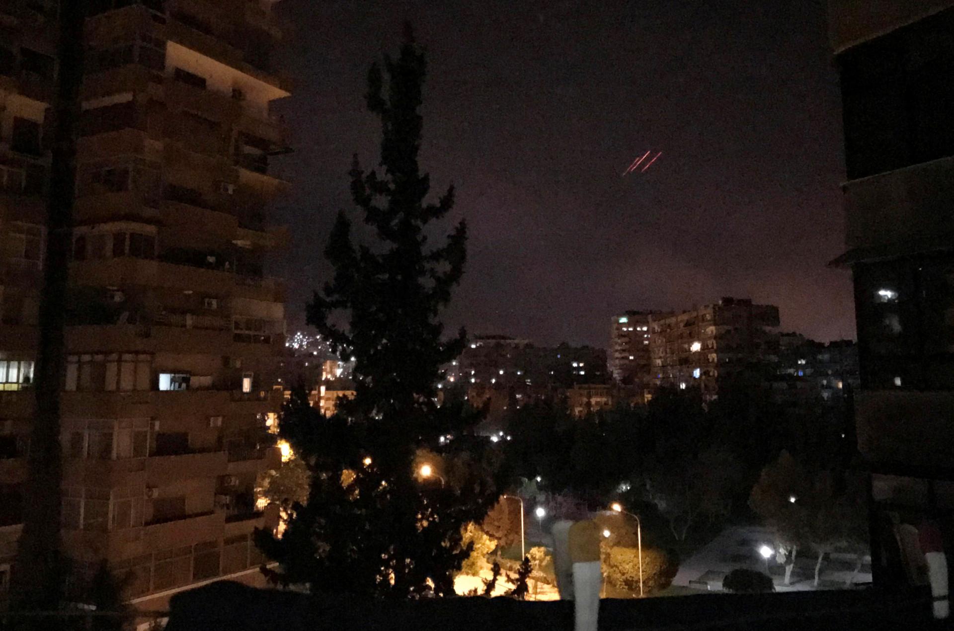 Diplomacia caiu por terra e os mísseis dos Aliados voaram para a Síria