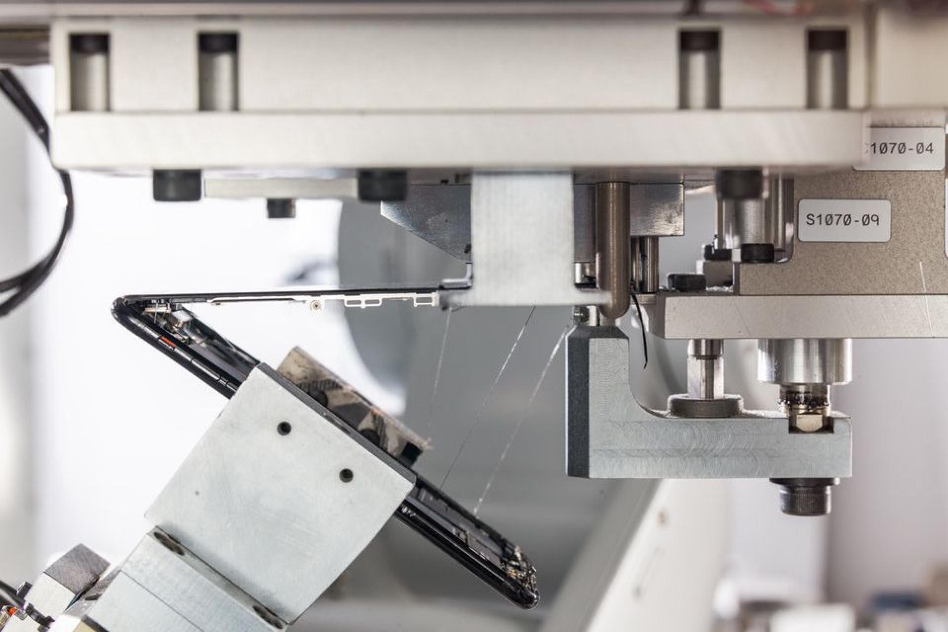 Robot da Apple é capaz de desmontar 200 iPhone por hora