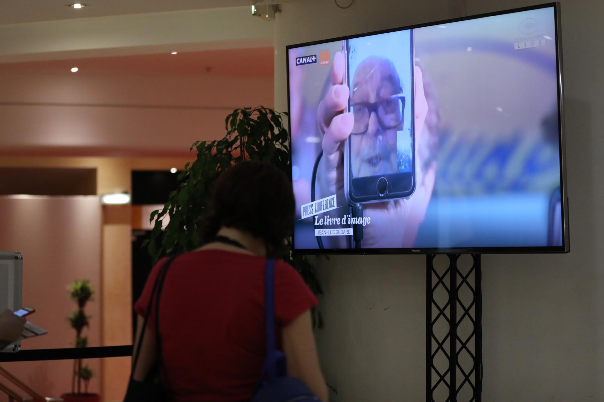 Godard dá conferência de imprensa por FaceTime, no festival de Cannes