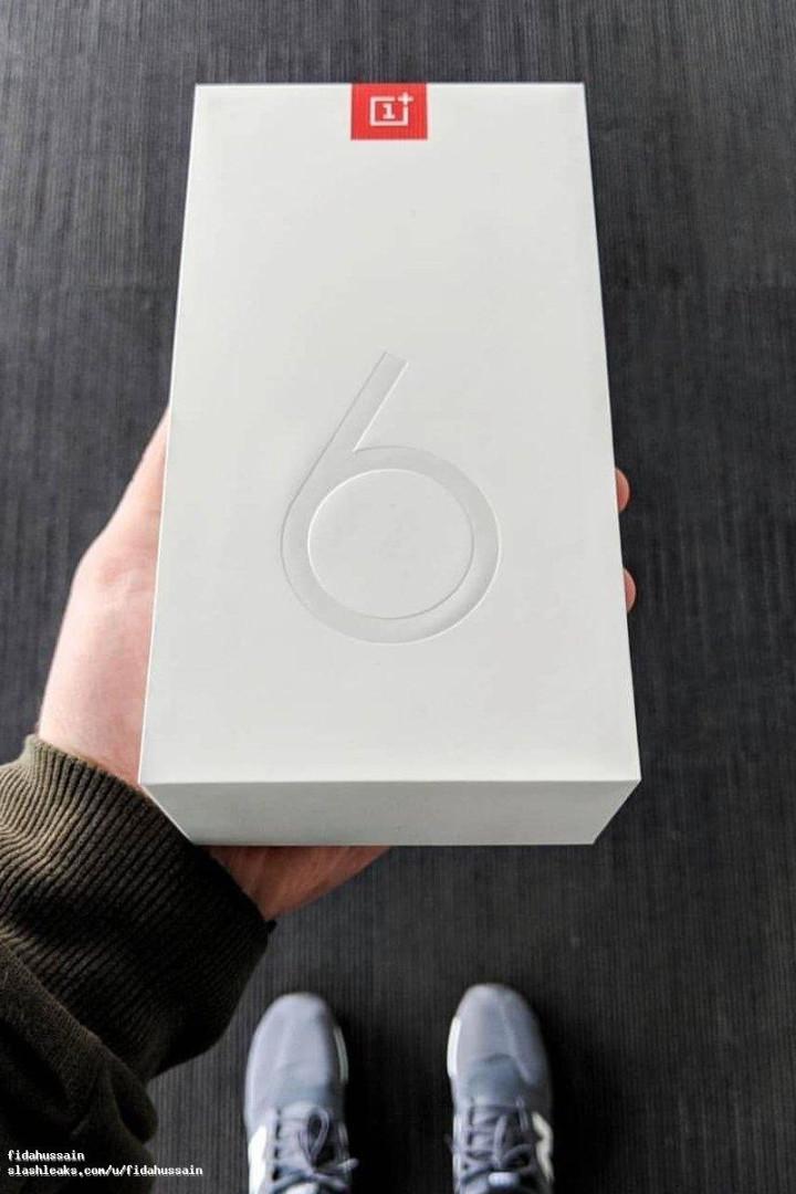 Caixa do OnePlus 6 também já foi mostrada
