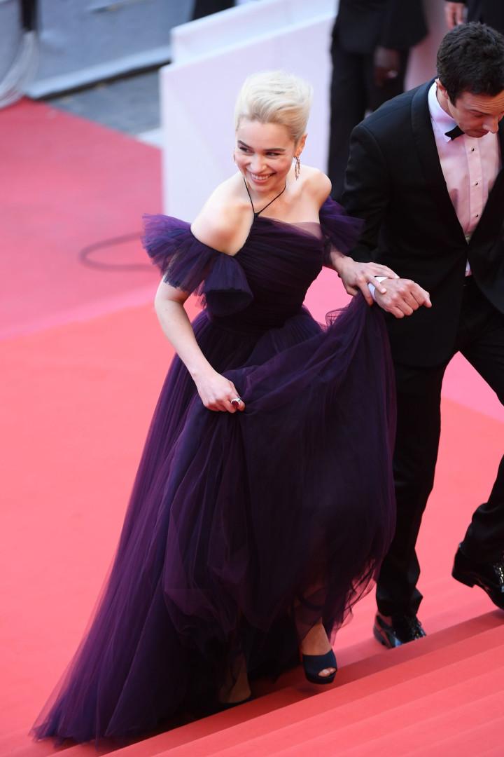 Cannes: Vestido de Emilia Clarke demorou 250 horas a ser feito