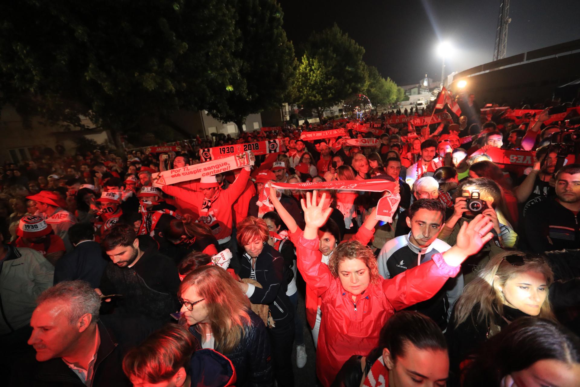 Vila das Aves une-se em festa para receber heróis do Jamor