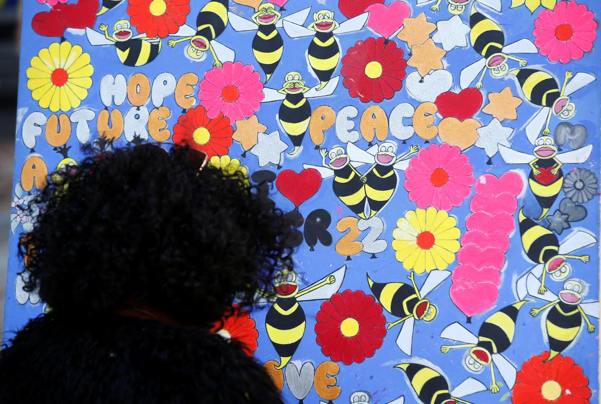 Atentado de Manchester em 2017 lembrado com um minuto de silêncio