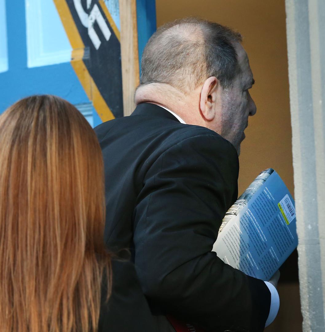Harvey Weinstein acusado de abuso sexual e violação de duas mulheres