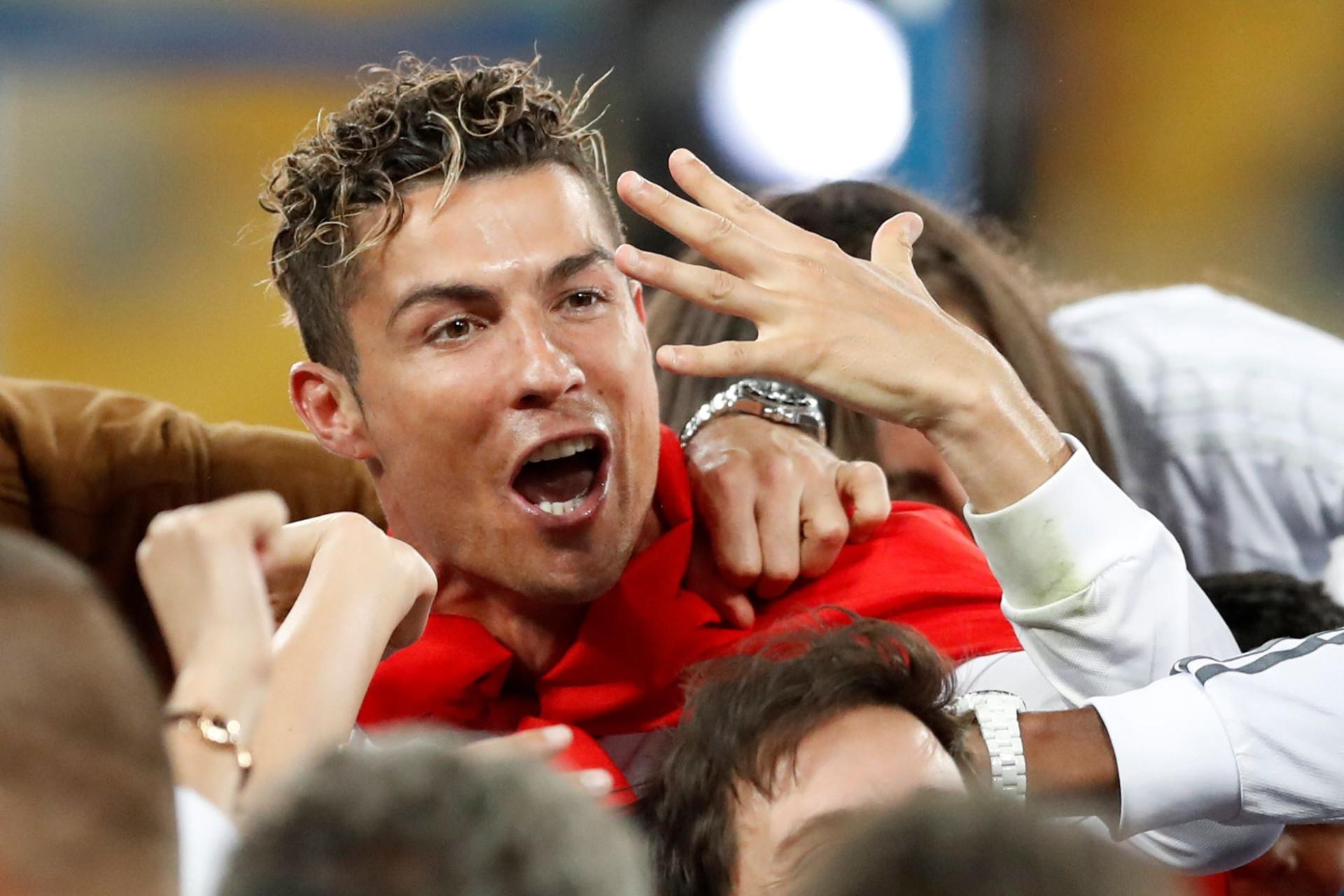 Ronaldo perde título de mais bem pago. Liderança pertence a pugilista