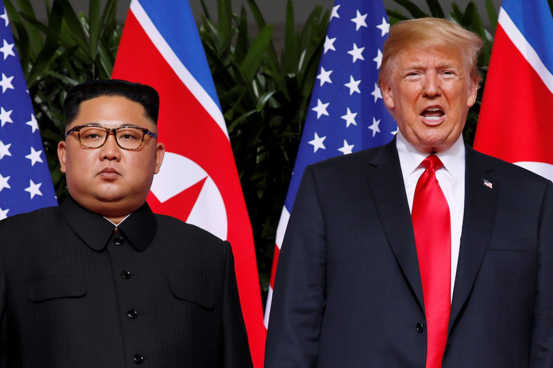 As imagens da cimeira histórica que juntou Kim e Trump