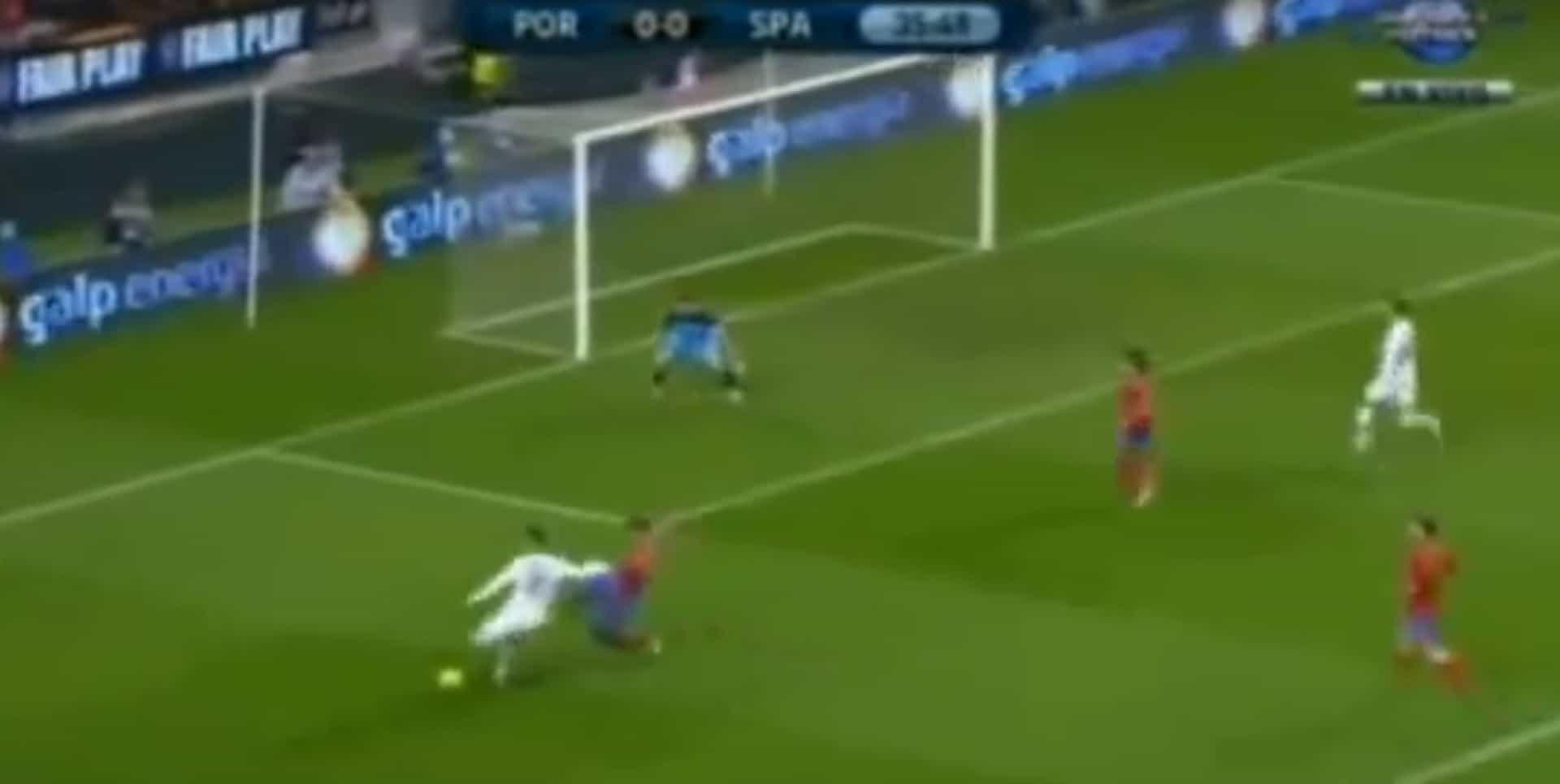 Ronaldo volta a 'sentar' Piqué? Nós relembramos a receita mágica