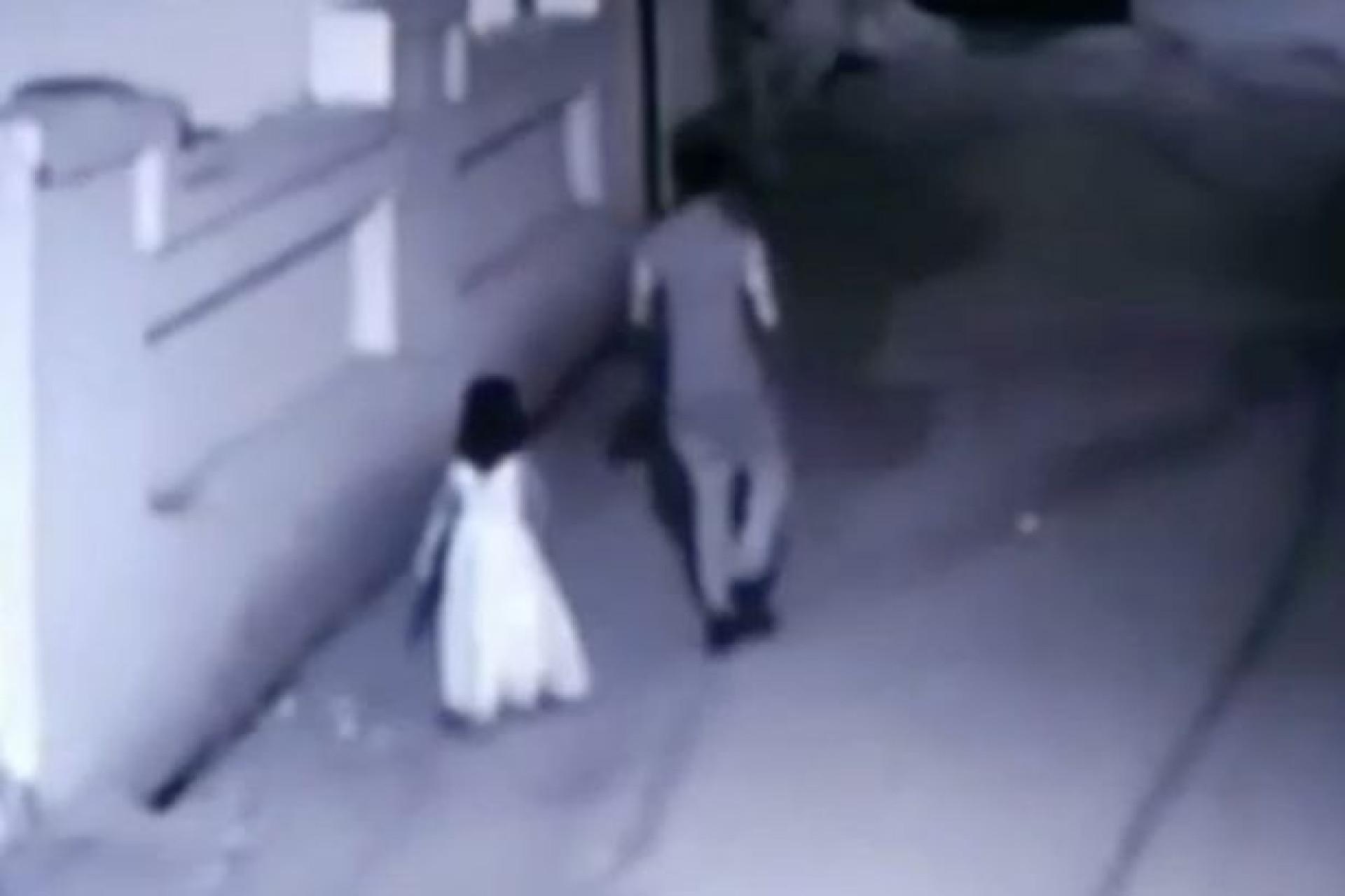 Menina de seis anos raptada, violada  e mutilada em troca de um gelado