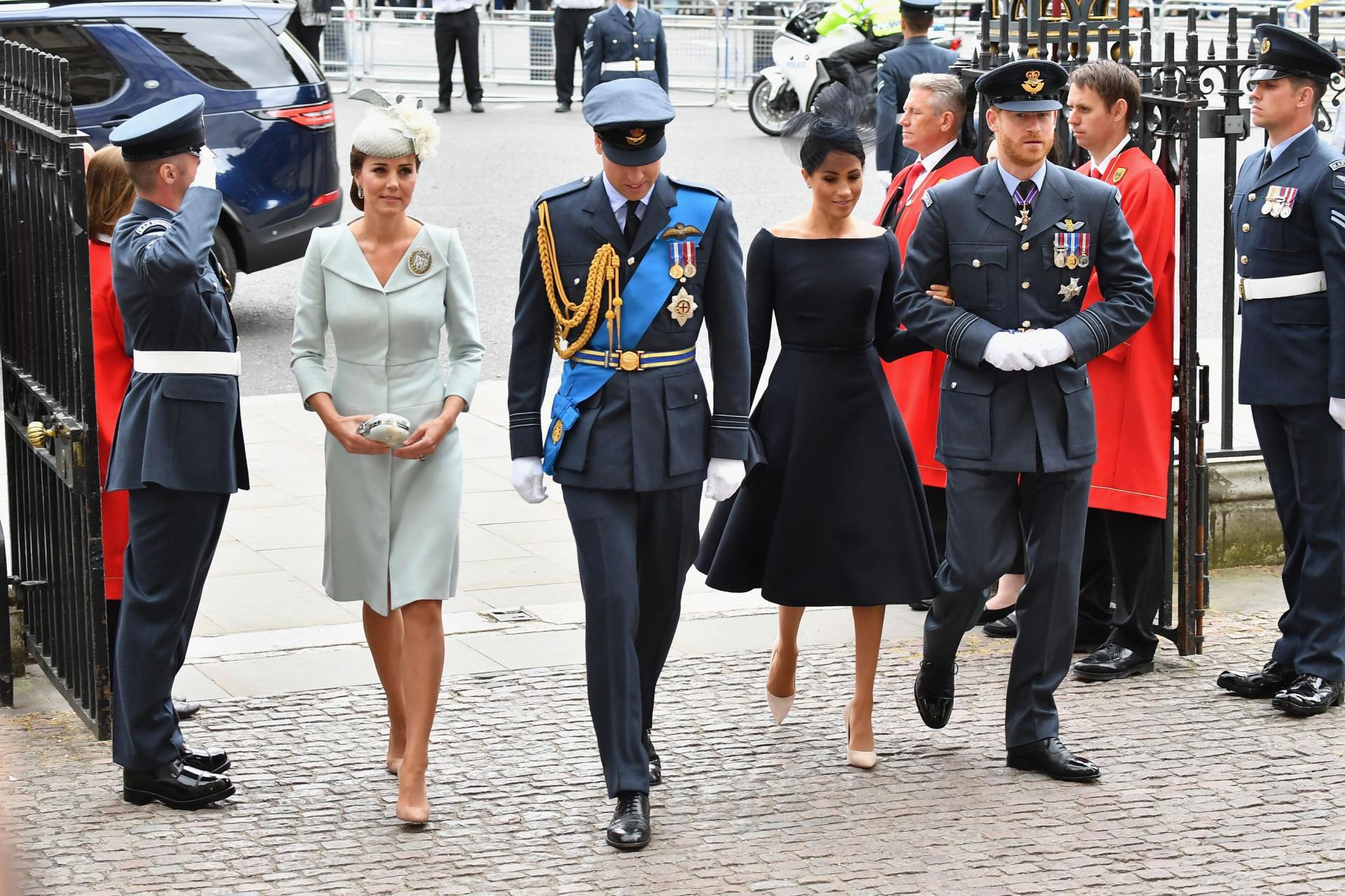Realeza britânica reúne-se no centenário da RAF
