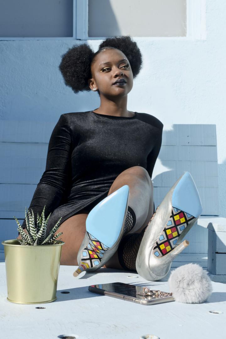 Sola Art Shoes: São pintados à mão, mas não se ficam pelos expositores