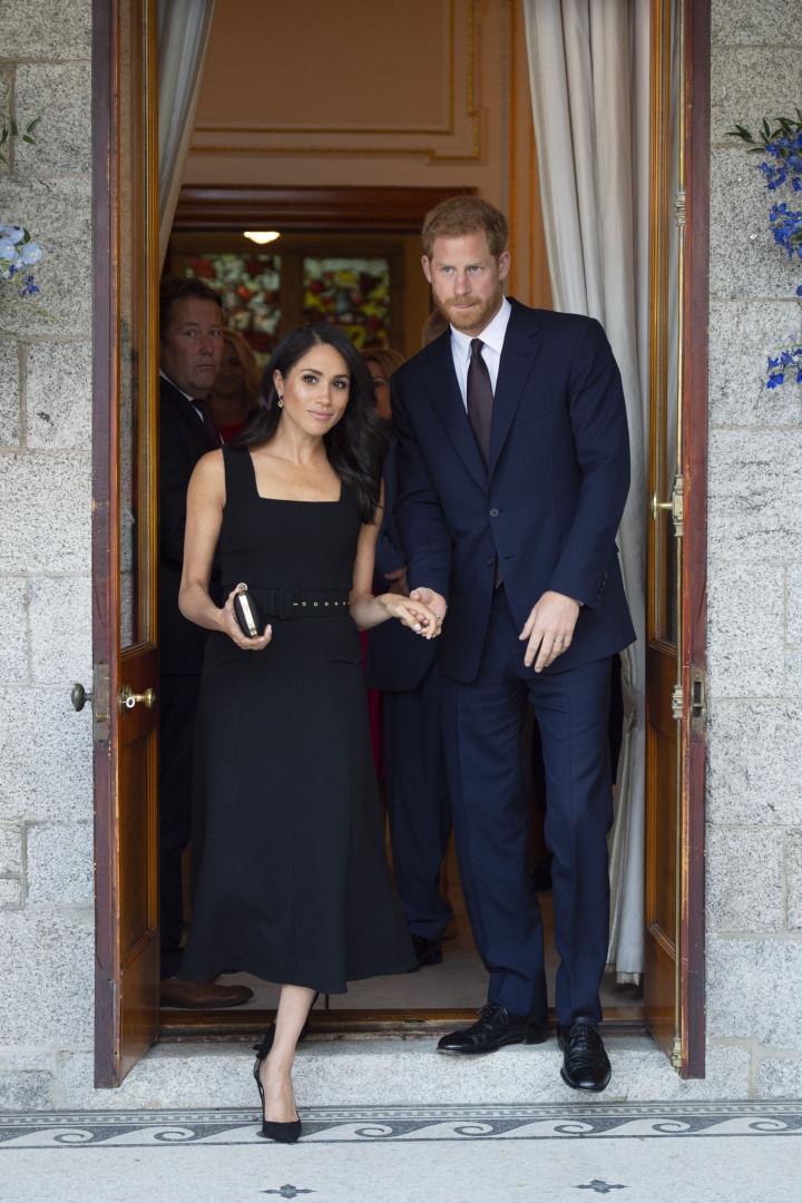 Meghan Markle acaba com polémica gerada pelo seu vestido de noiva