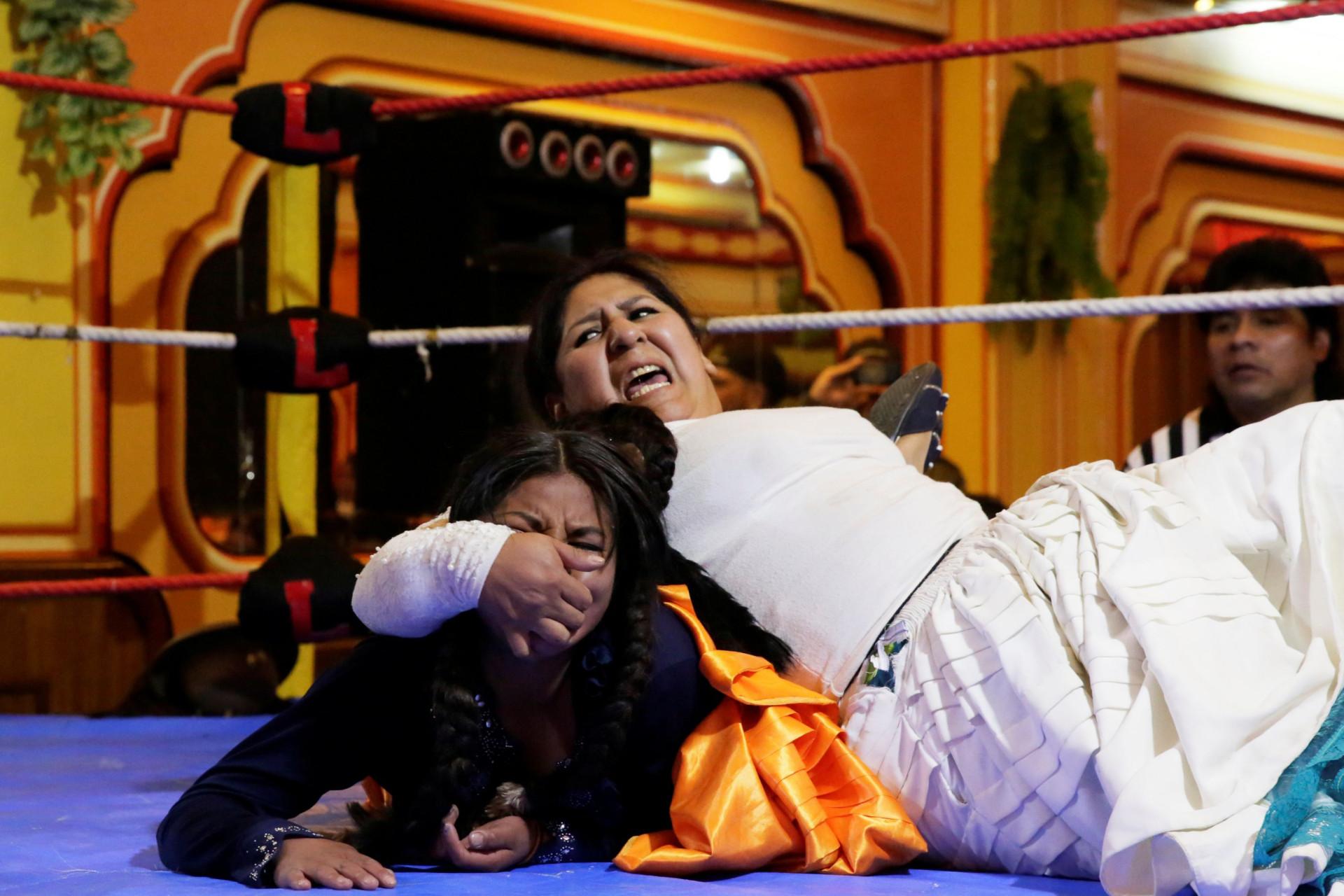 As Cholitas já têm voz e agora até no wrestling dão cartas