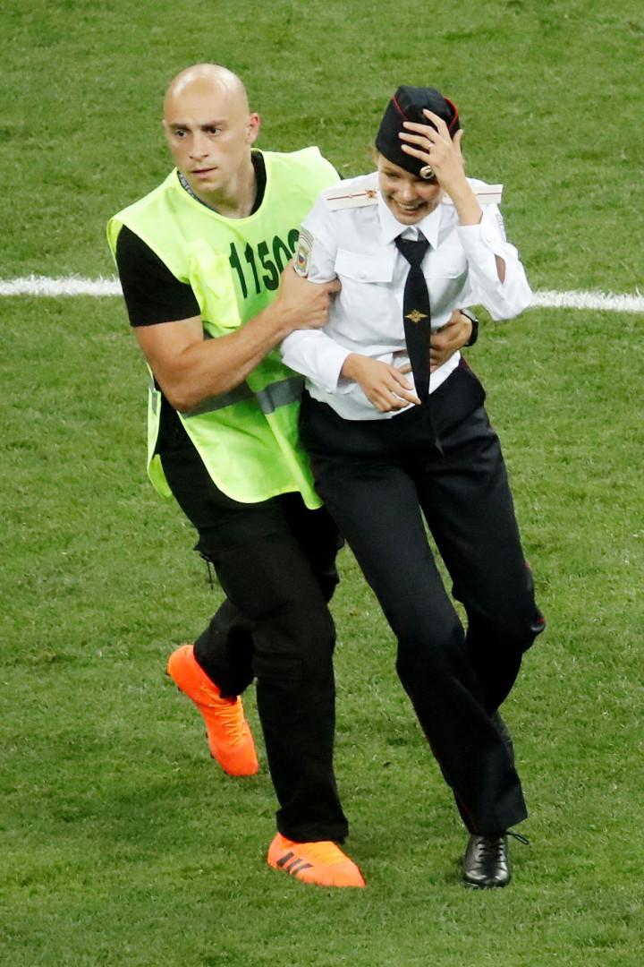 Mundial'2018: Invasão de campo na final reivindicada pelas Pussy Riot