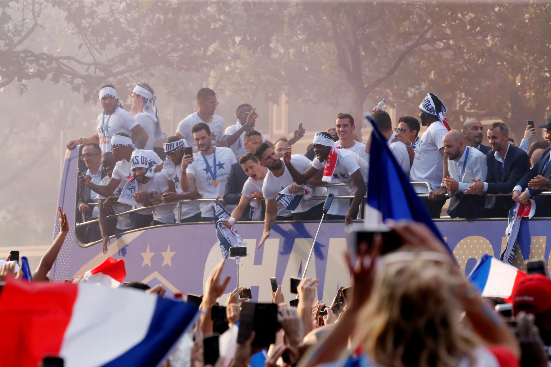 Foi em festa que França recebeu o Campeão do Mundo