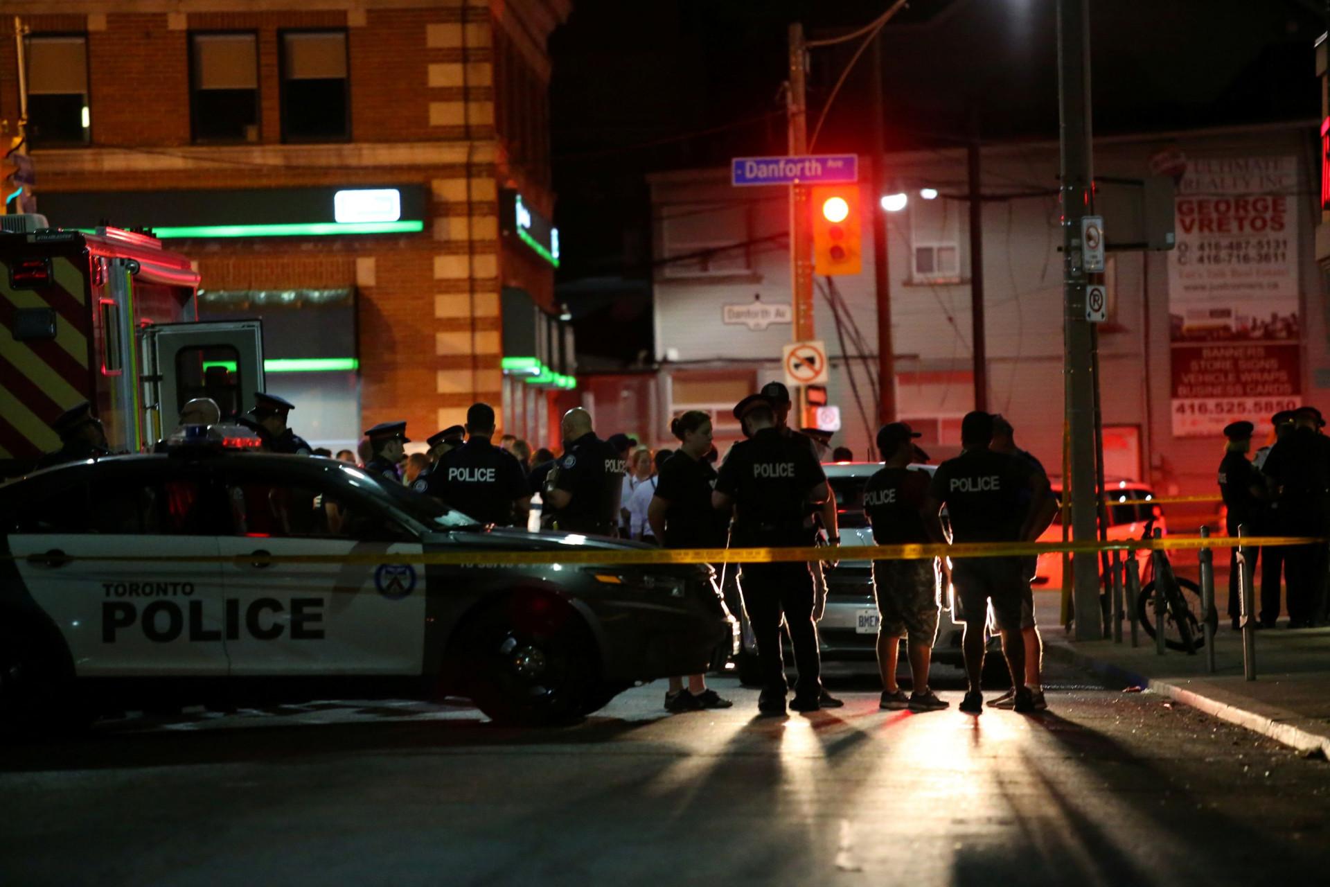 Um morto e vários feridos após tiroteio em Toronto. Autor abatido