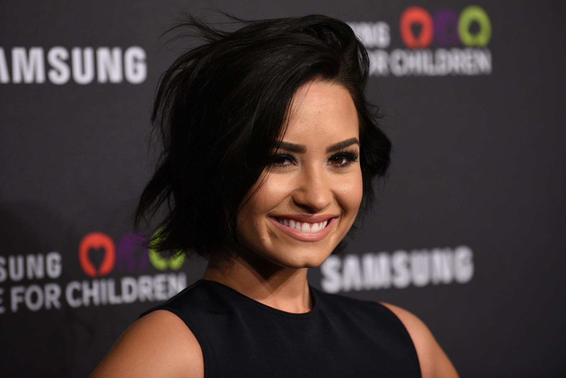 A magia da Disney e o lado negro da fama: Os 26 anos de Demi Lovato