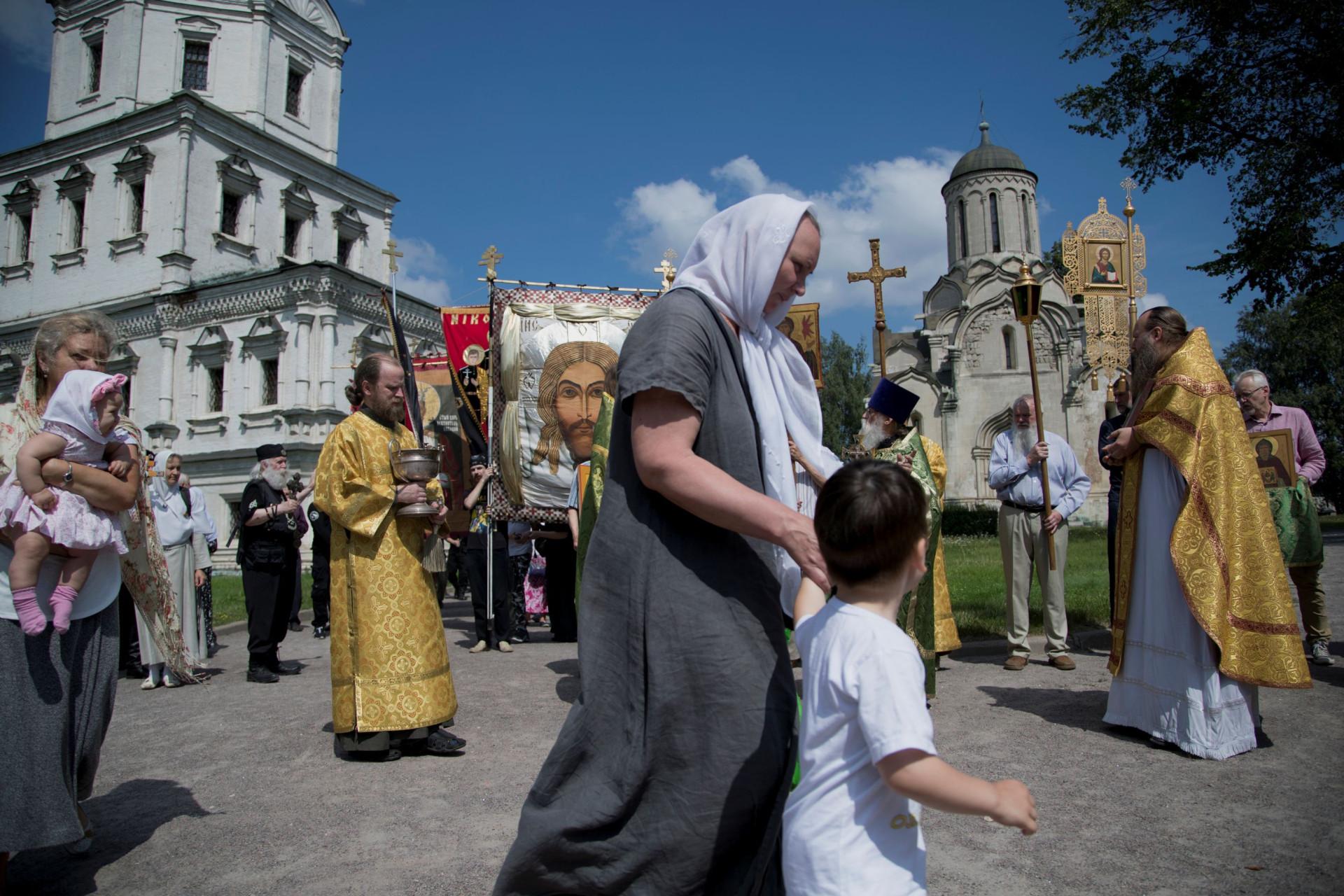 """""""Ortodoxia ou Morte"""". Os russos que anseiam pelo regresso de um Czar"""