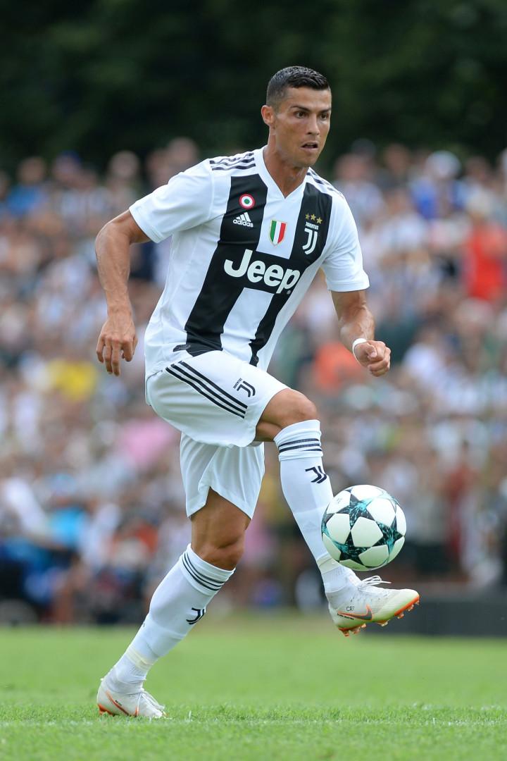 'Ronaldomania' atinge Itália: Eis as imagens da estreia do português