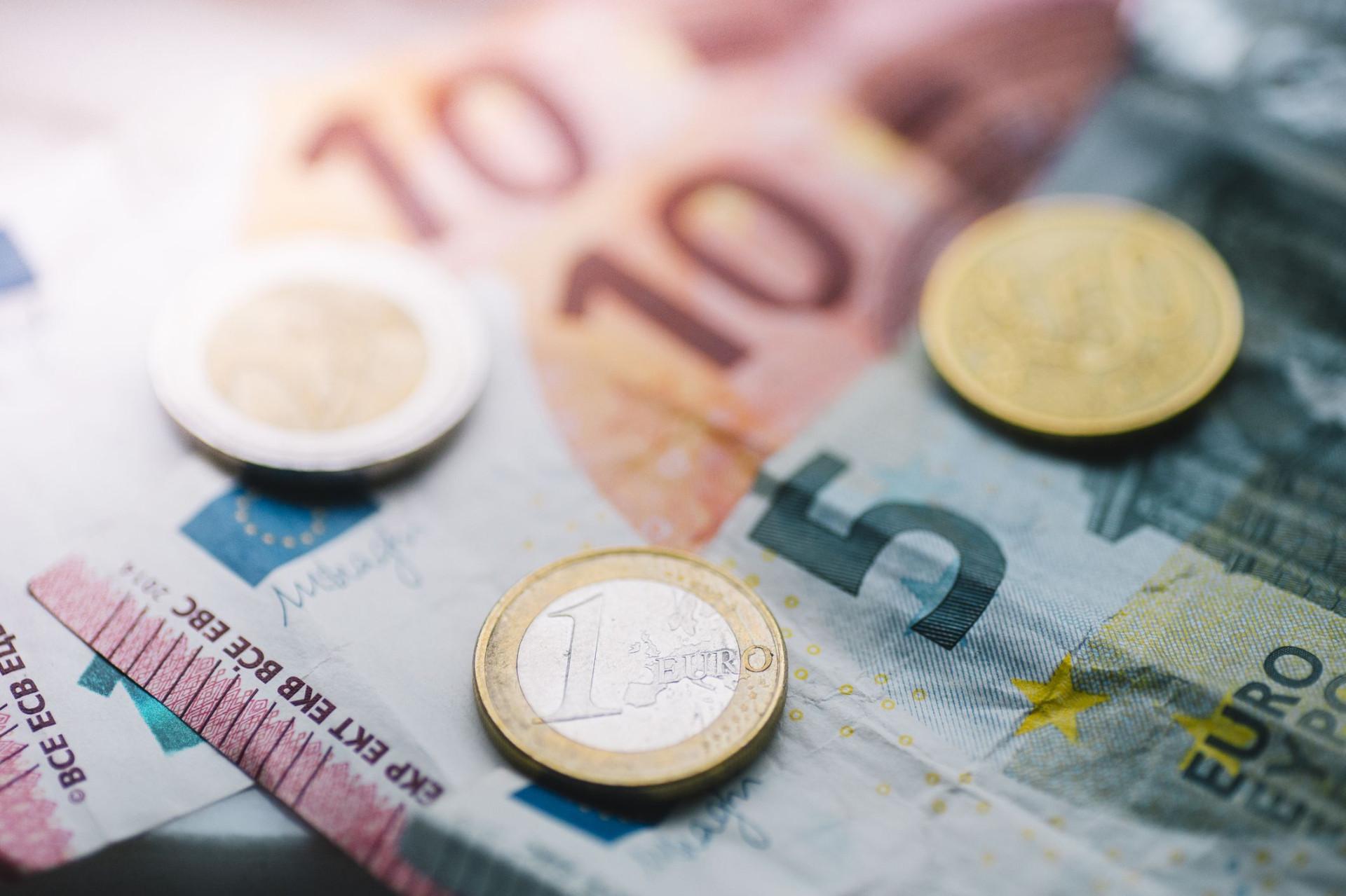 Emprestar dinheiro à família ou amigos? Seis motivos para não o fazer