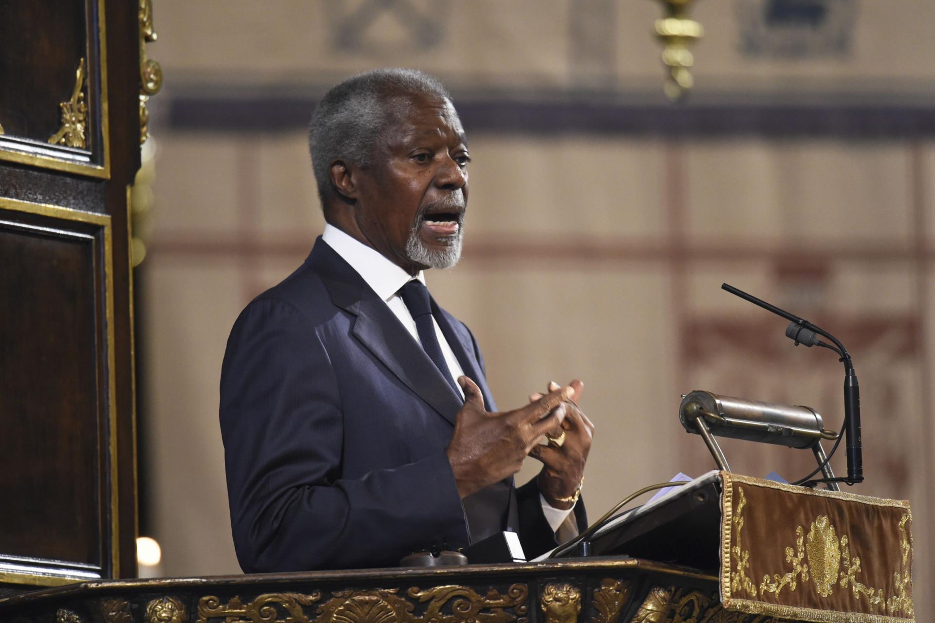 Kofi Annan morreu este sábado. O mundo recorda-o assim