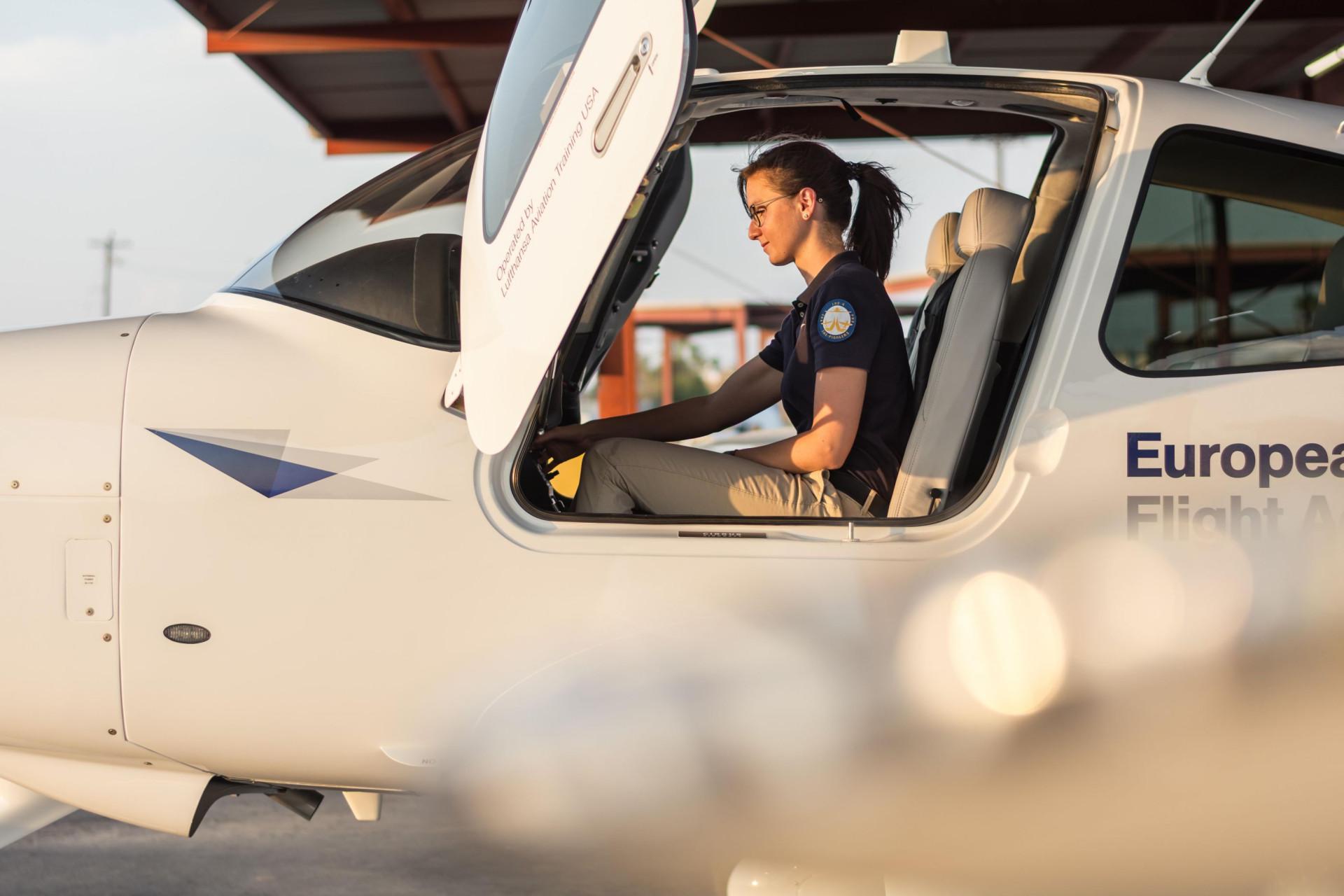 Faz 30 anos que a Lufthansa integrou as suas primeiras mulheres piloto