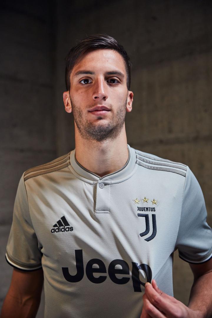 Juventus apresenta a nova 'pele' de Ronaldo e companhia