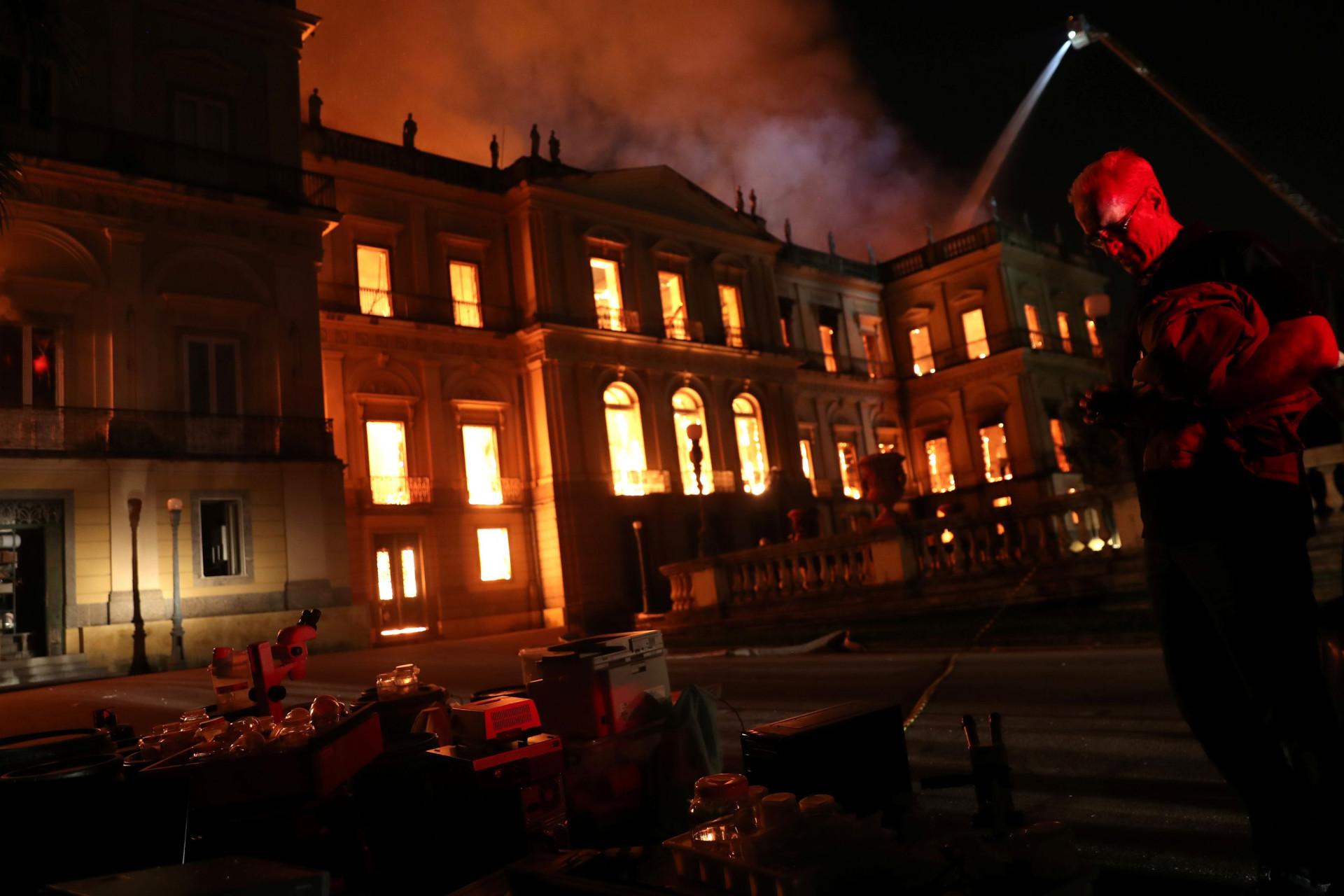 Incêndio destruiu Museu Nacional do Rio de Janeiro