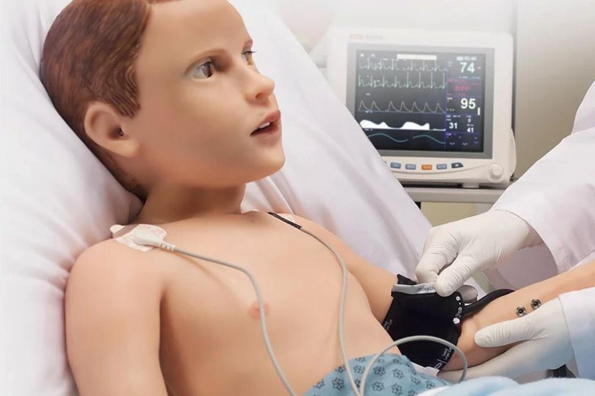 Hal, o robot (arrepiante) que vai ajudar a treinar médicos