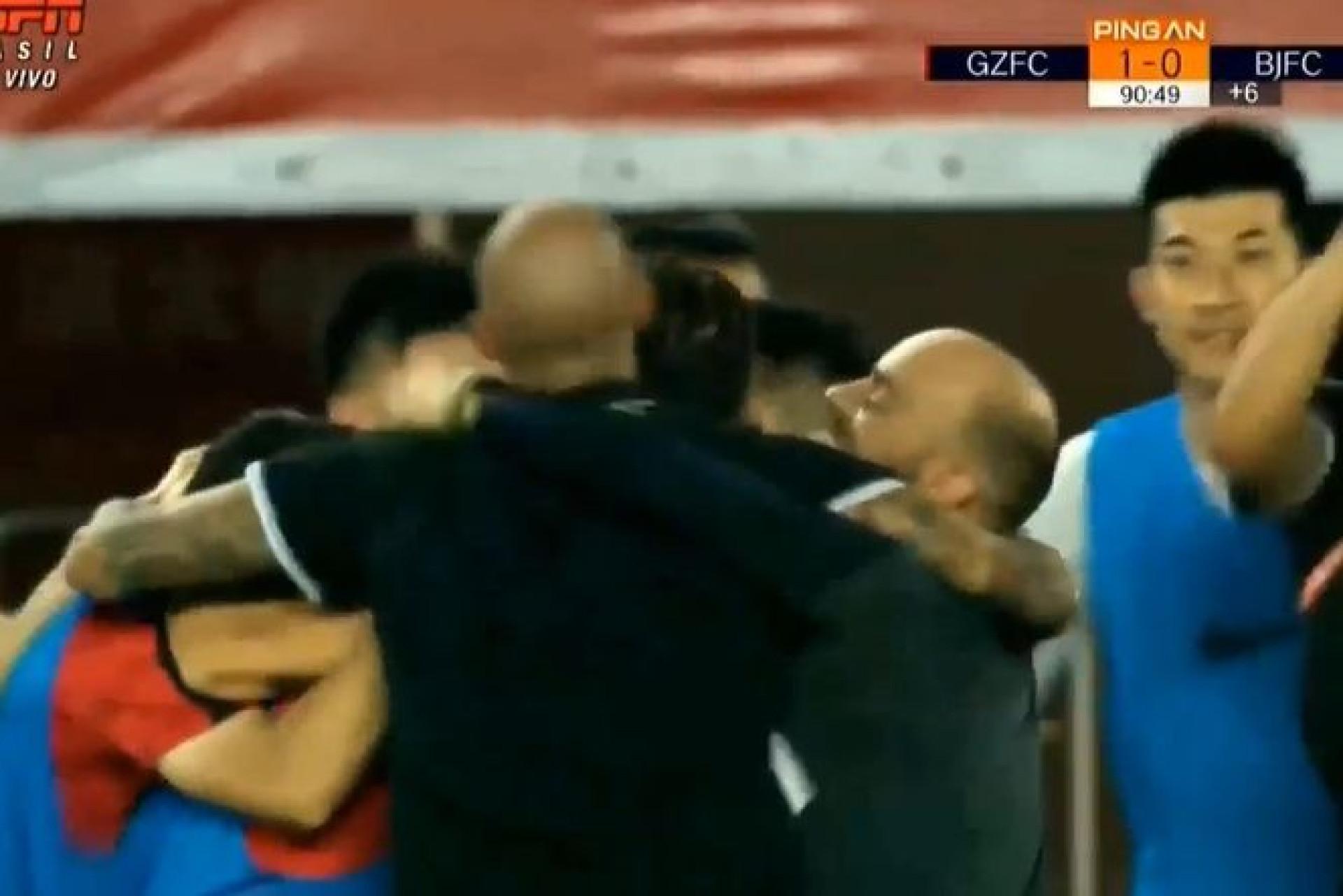 Talisca volta a marcar e oferece triunfo ao Guangzhou já nos descontos