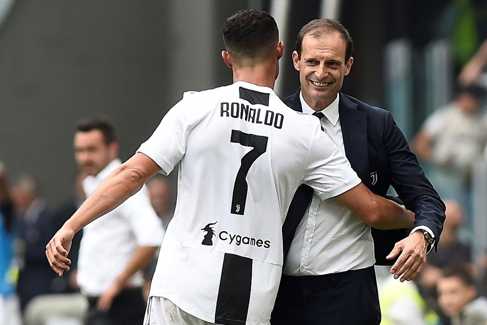 Ronaldo voltou a fazer a festa... e até Allegri teve direito a abraço