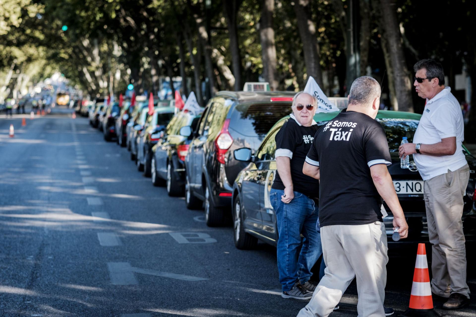 #Somos táxi: Preparados para tudo. As imagens do protesto dos taxistas