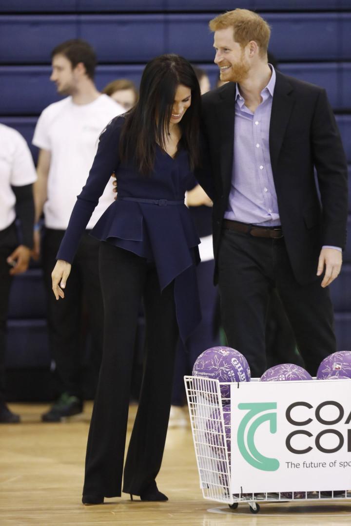 Meghan Markle e Harry deslumbram em evento desportivo