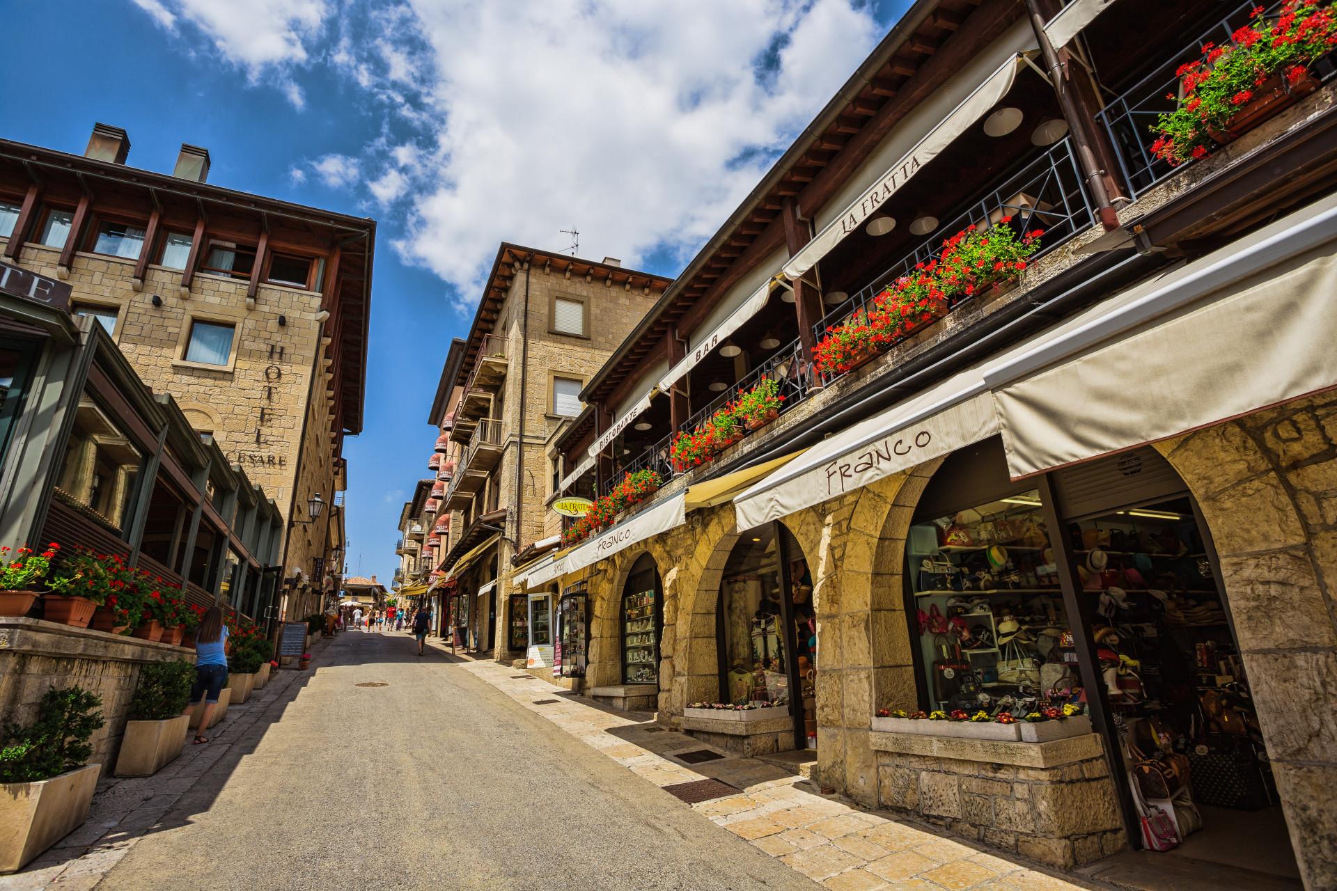 Conheça o pequeno país europeu que tem feito sucesso entre os turistas
