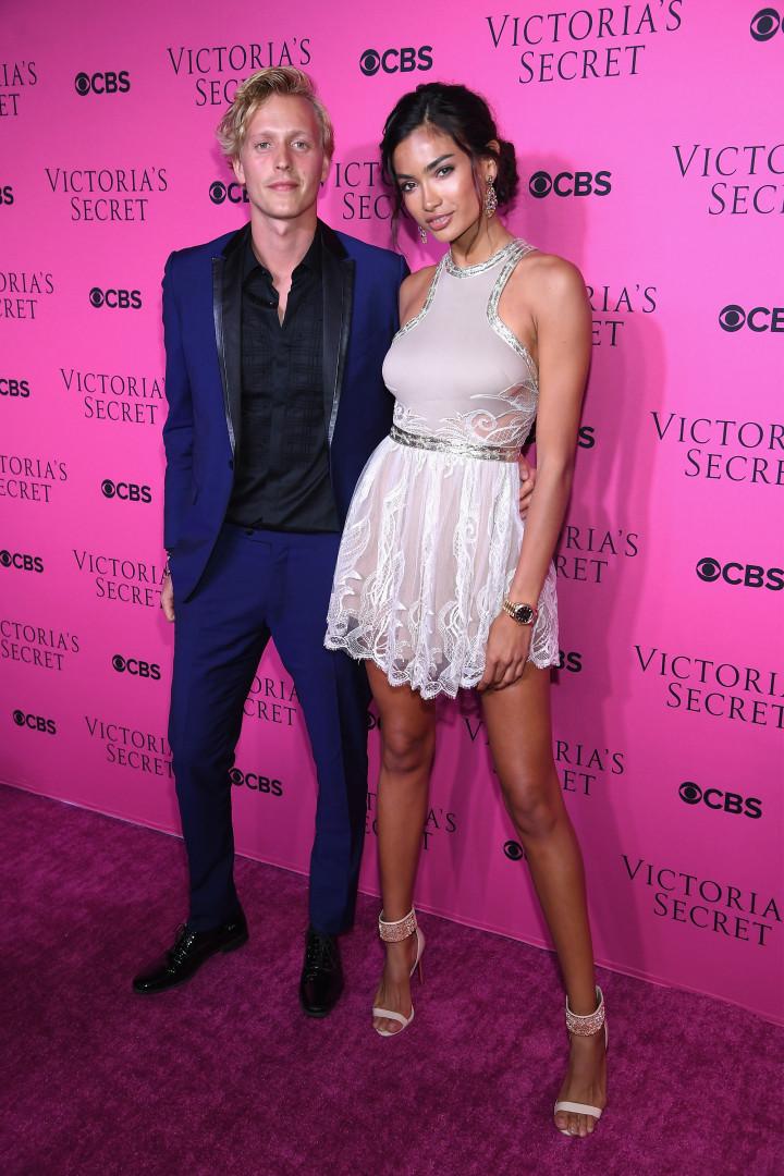 As caras-metades das beldades da Victoria's Secret