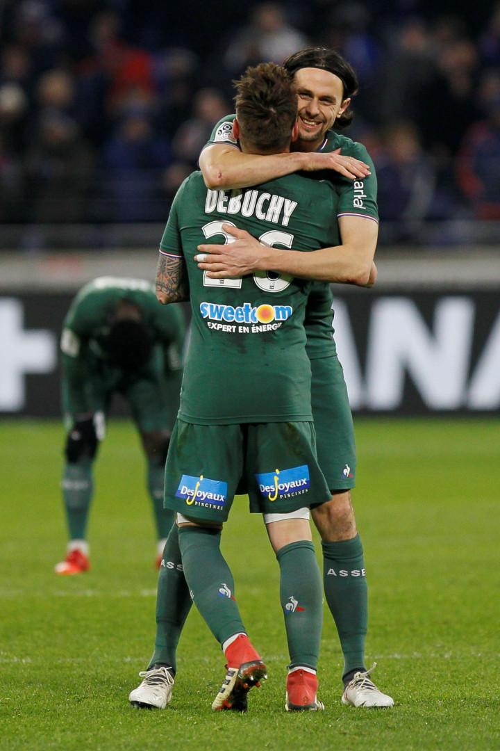 À 'caça' de central, Barcelona pensa em David Luiz, José Fonte e... Pepe