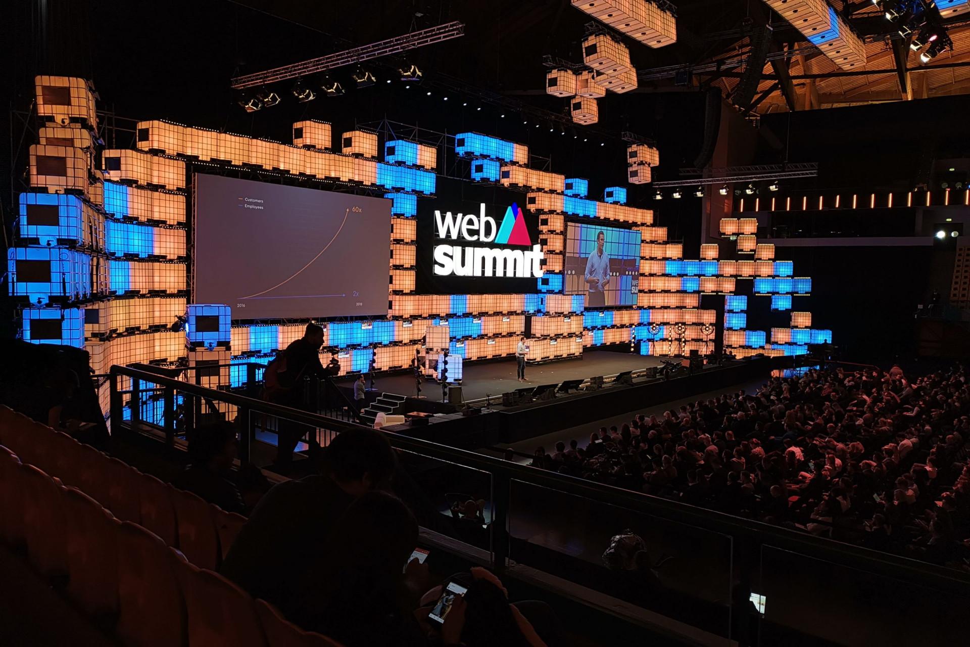 Web Summit. Mostramos-lhe as imagens do recinto da cimeira do momento