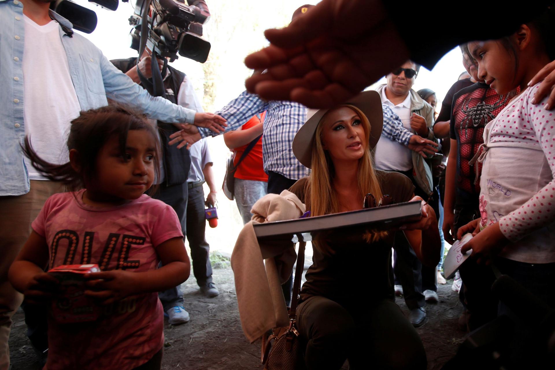 Voluntariado: As estrelas que colocam as 'mãos na massa'