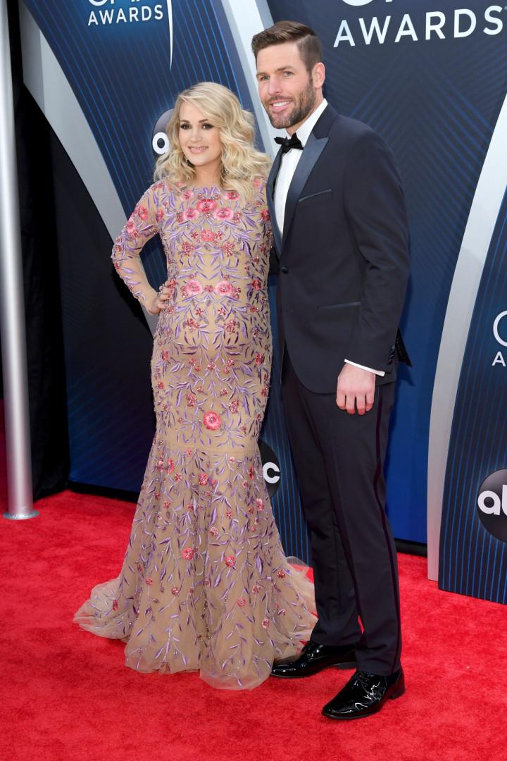 Carrie Underwood revela sexo do bebé