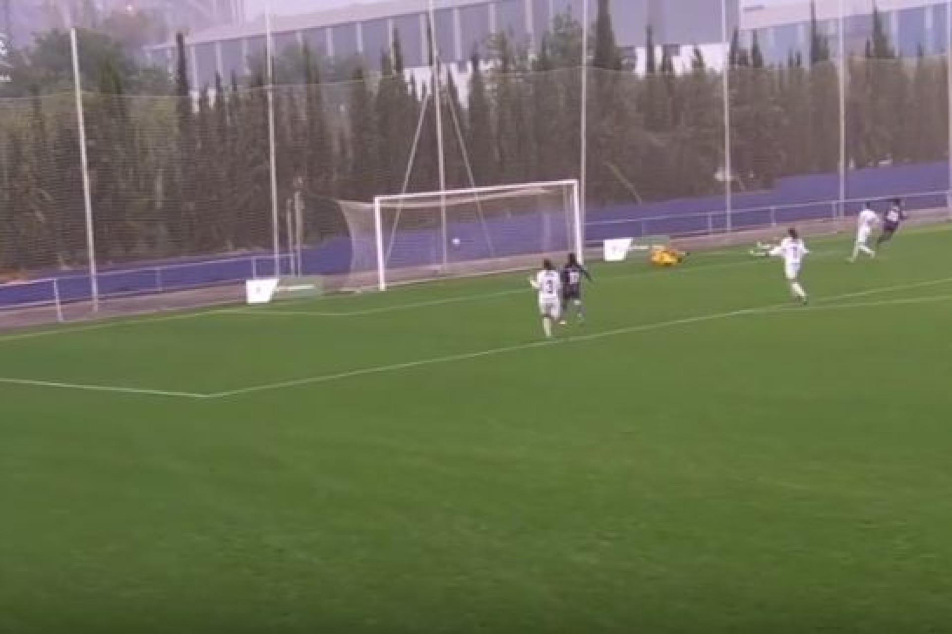 Jéssica Silva foi 'de mota' e assinou (mais) um golo magistral no Levante
