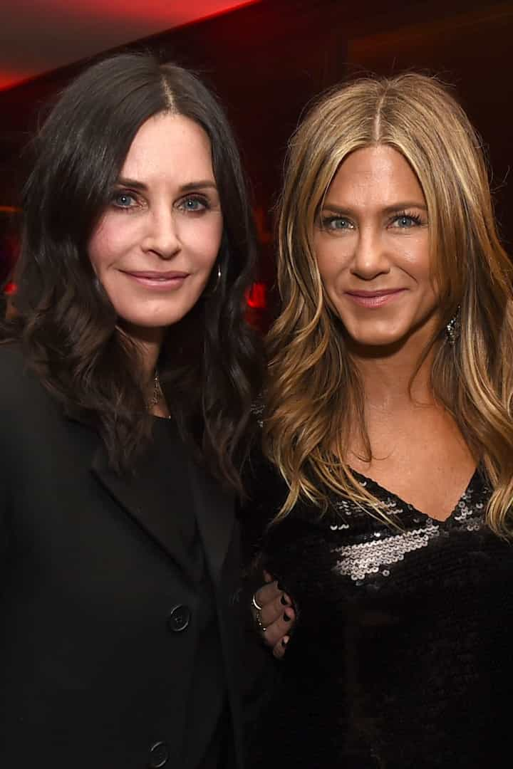 Courteney Cox apoia amiga de longa data, Jennifer Aniston