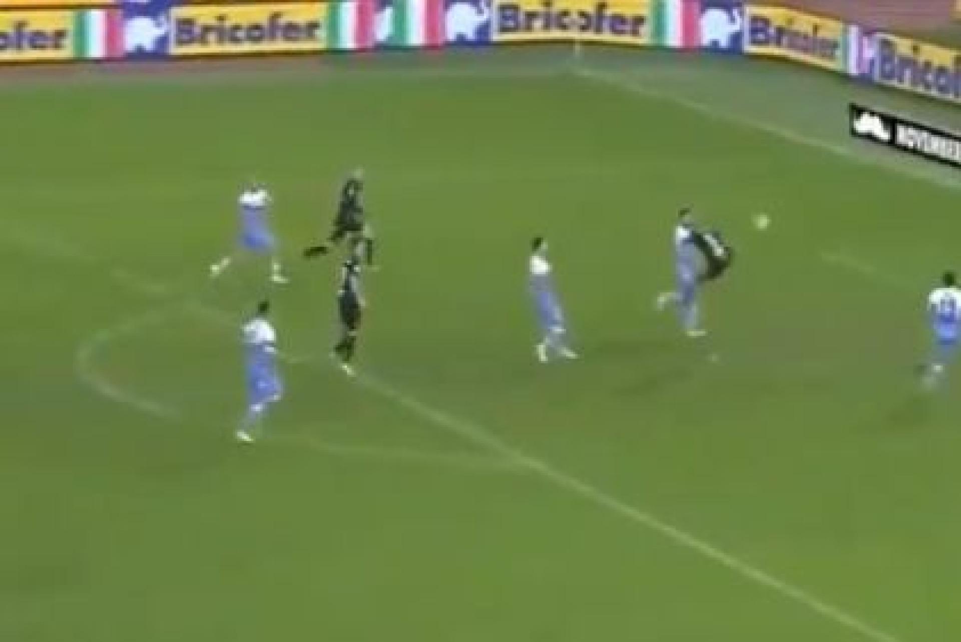 Aos 90+10 também vale? Eis o golaço do empate da Sampdoria