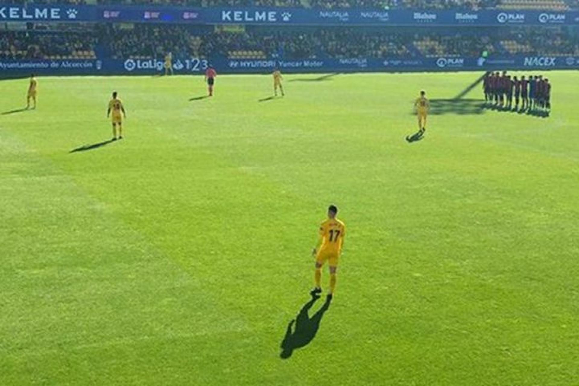 Jogadores do Reus ficaram parados em protesto contra salários em atraso