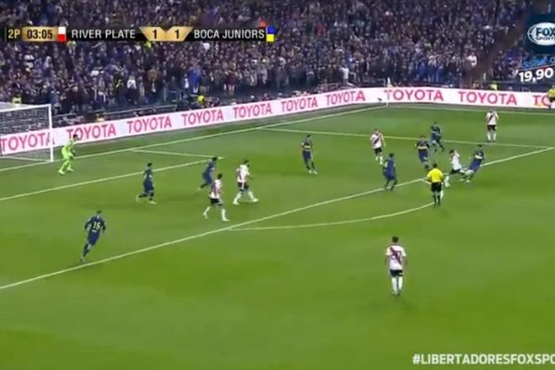 O golaço de Quintero que entregou a Libertadores ao River Plate