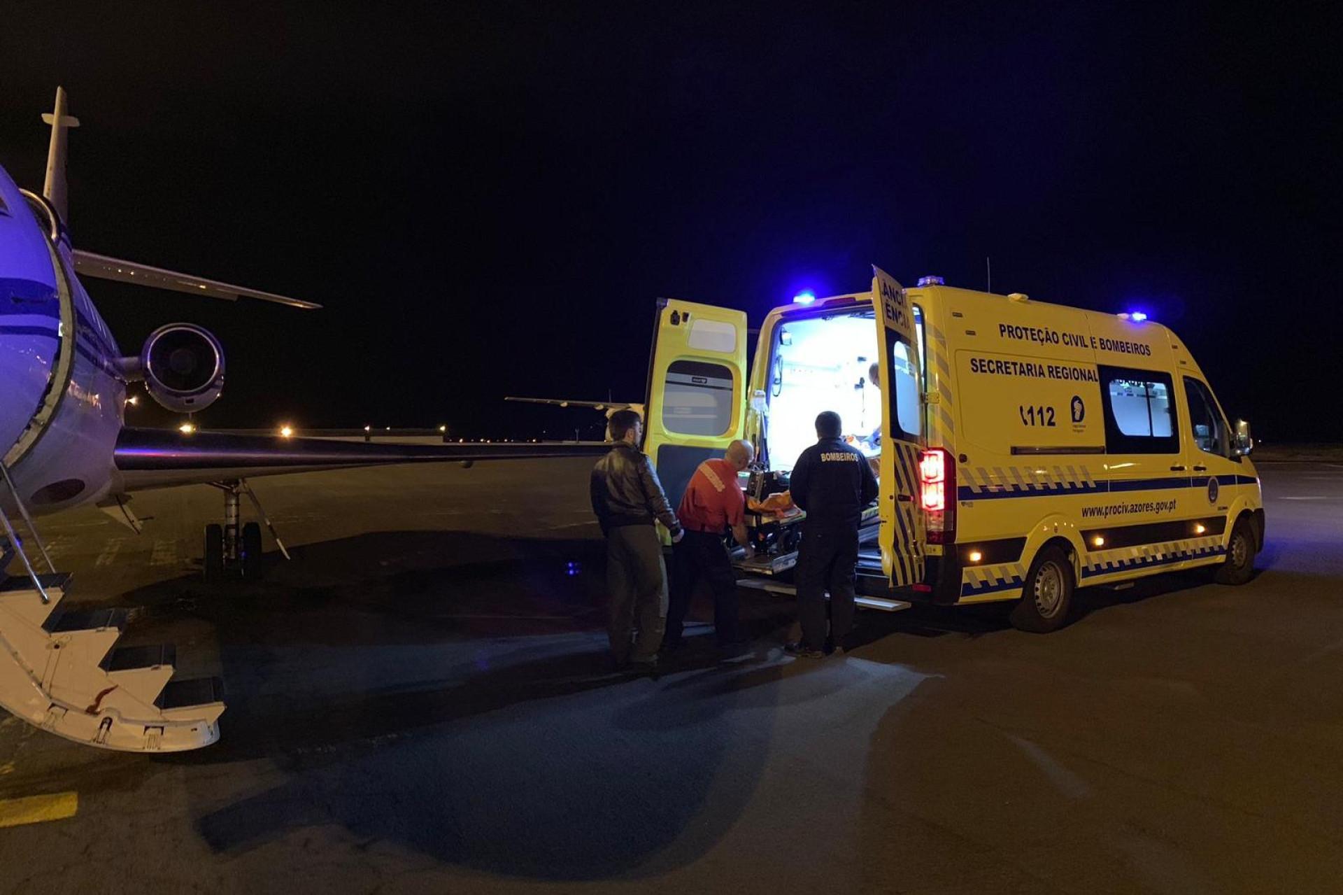 Criança com dificuldades cardiorrespiratórias transportada para Lisboa