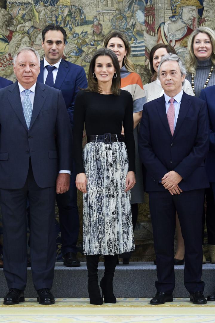 Rainha Letizia usa saia que custa menos de 13 euros