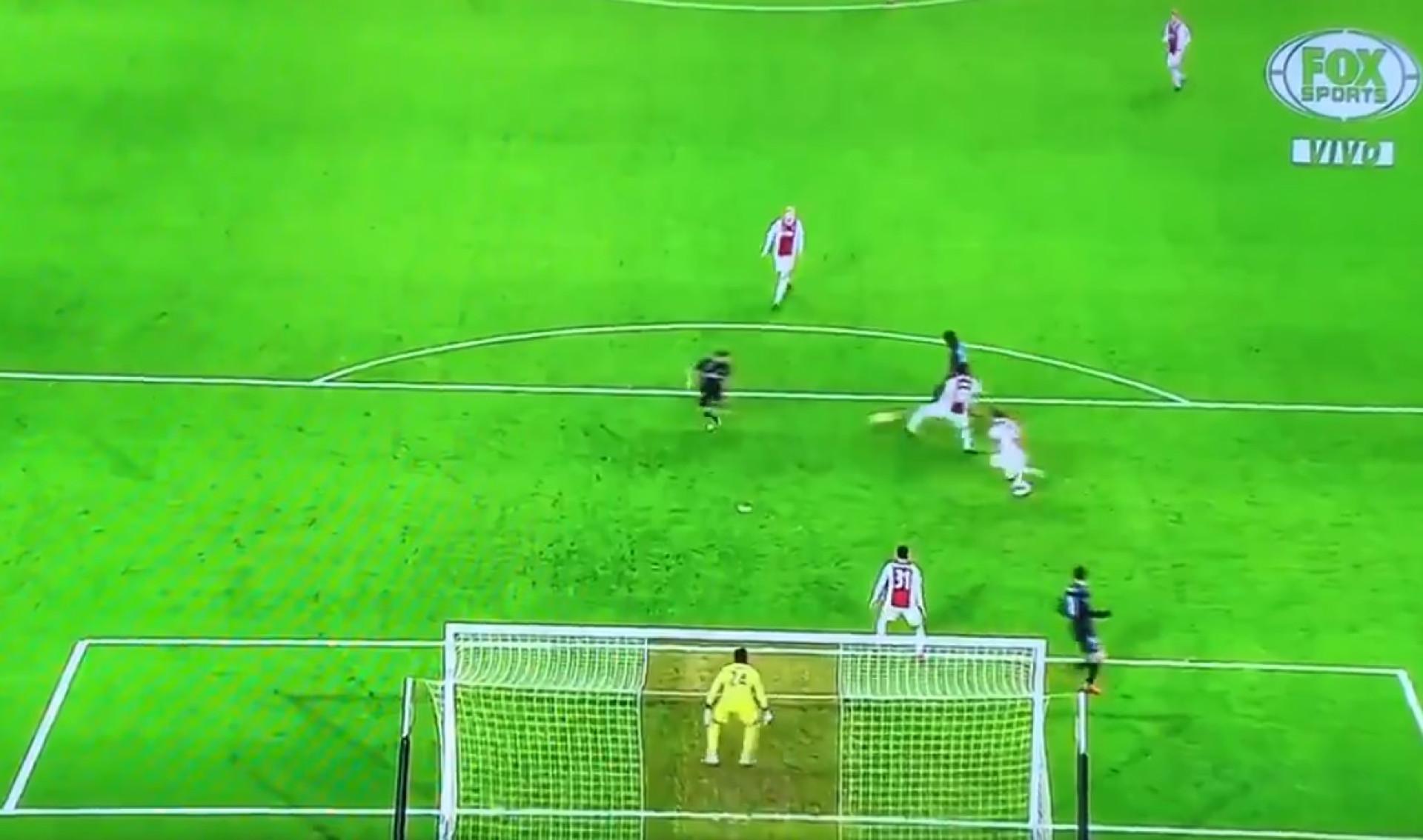 Vinícius Jr. foi brilhante e serviu Benzema no golo do Real Madrid