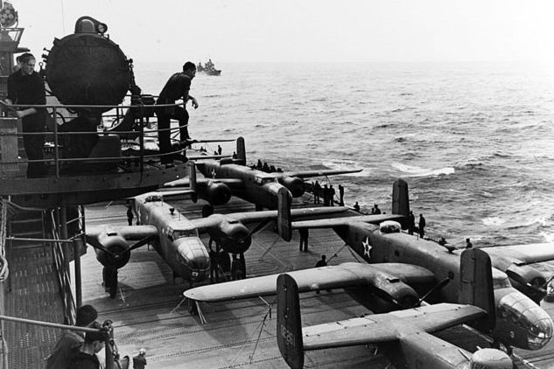 Expedição descobre porta-aviões afundado na II Guerra Mundial