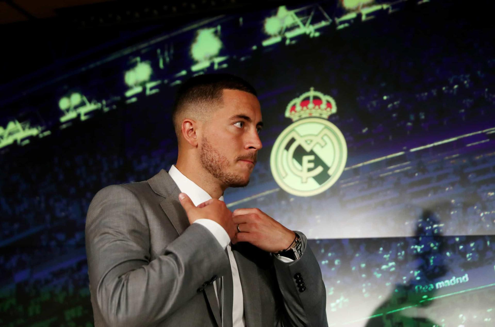 Há um português e um ex-dragão na lista das 10 transferências mais caras