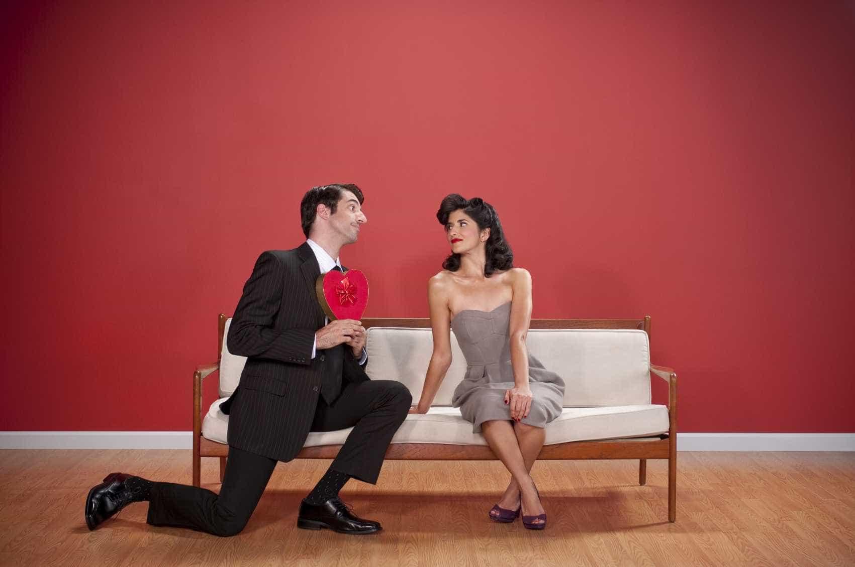 As 40 coisas que os homens fazem para impressionar uma nova namorada -
