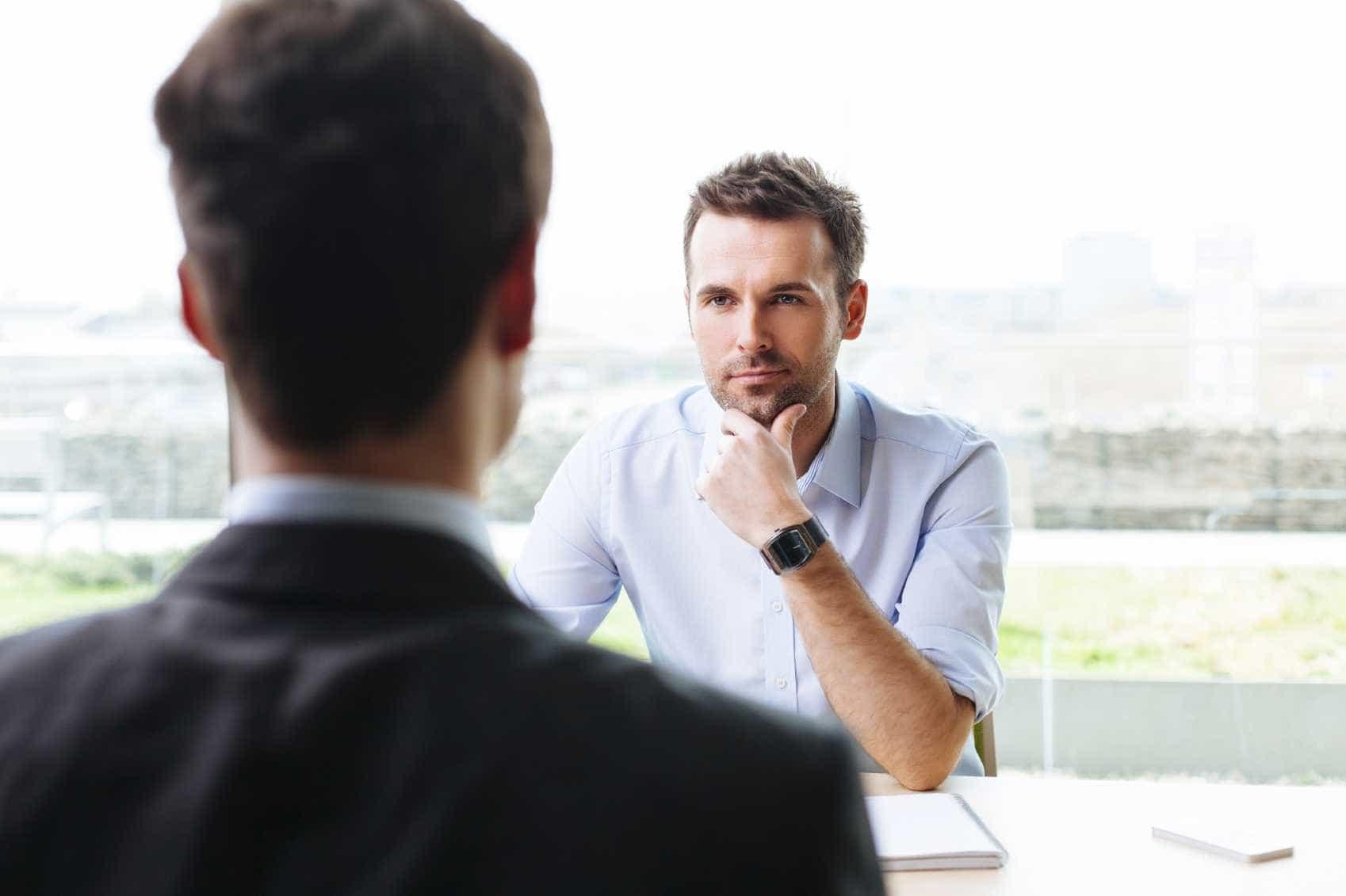 frases a evitar numa entrevista de emprego